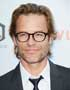 Guy Pearce s okuliarmi